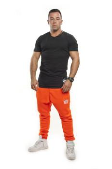 Oranž neon tepláky Čierne tričko VIPSK