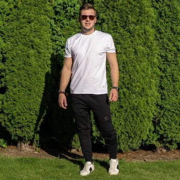 Čierne jeans tepláky a biele tričko VIPSK