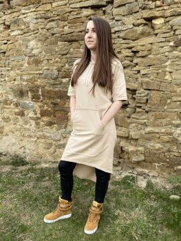 Béžové šaty VIPSK